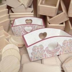 decoupage biało-różowy pojemnik z sercem
